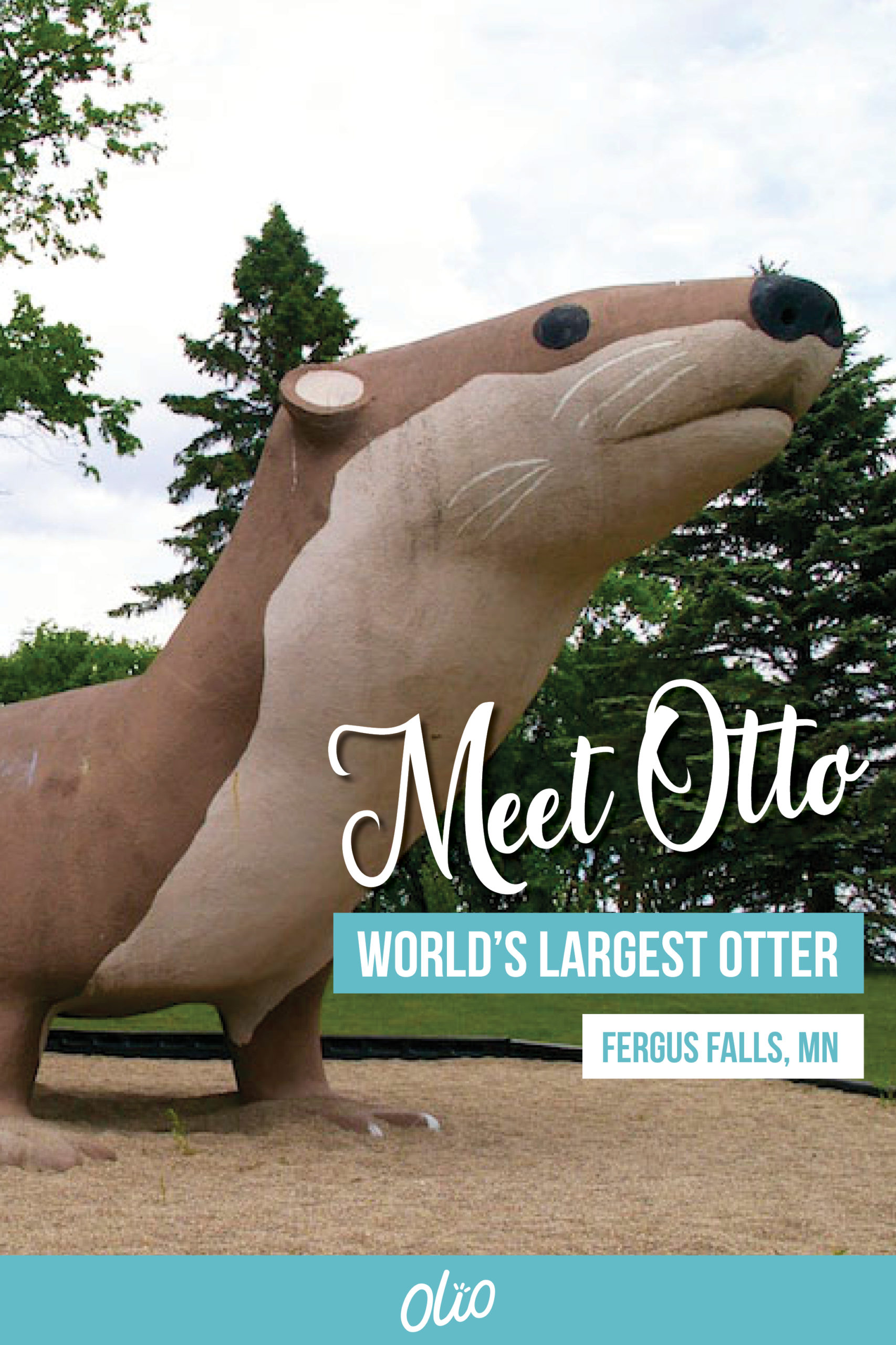 Meet Otto the World's Largest Otter who makes his home in Fergus Falls, Minnesota! Minnesota is full of roadside attractions and unique destinations, including Otto the Otter. #Minnesota #WorldsLargest #RoadsideAttractions