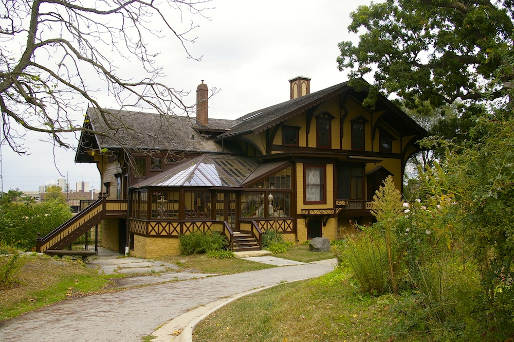 Exterior of Tinker Swiss Cottage in Rockford, Illinois