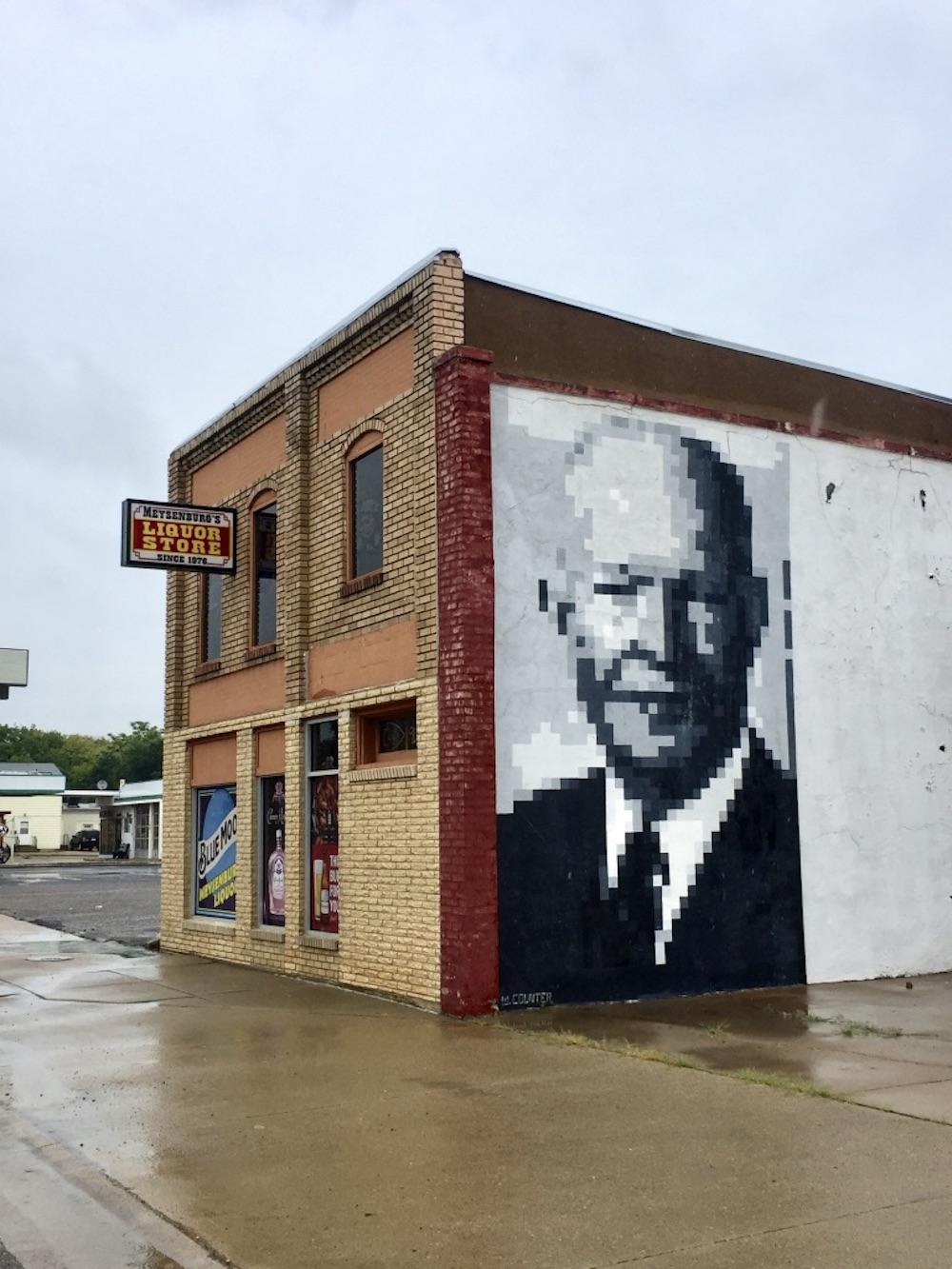 Mural of President Dwight D. Eisenhower on the side of a building in Abilene, Kansas
