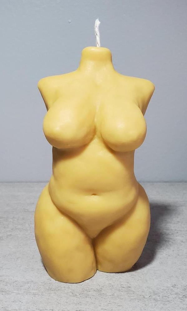 Curvy nude body candle