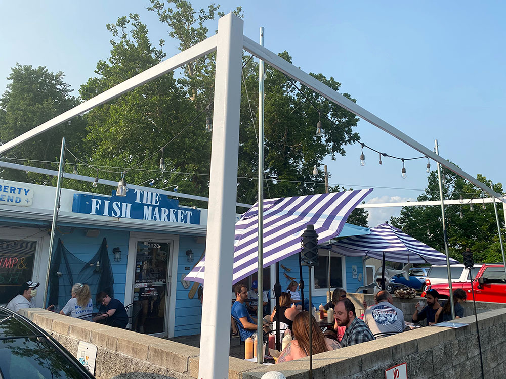 Exterior and patio of The Fish Market in Liberty, Missouri